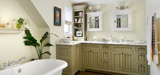 Traditional little bathroom design and remodeling in Location