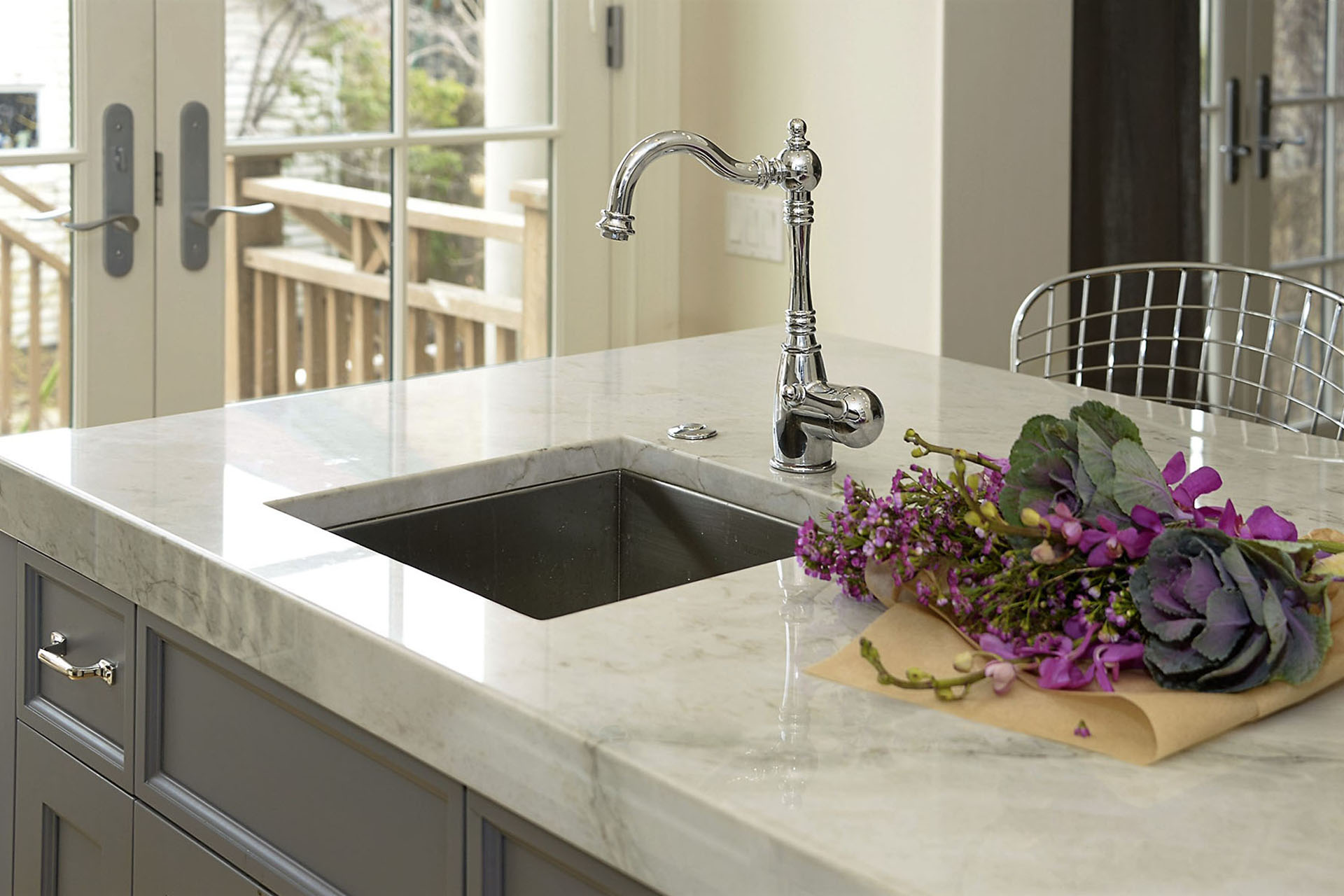 White corian worktop with moulded integrated stylish kitchen sink in Chicago